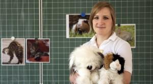 Tierschutzlehrerin Tina Giebing ist oft zu Besuch in Schulen (Bild: Dörte Boxberg).