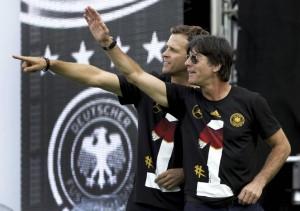 Hello Berlin: Bundestrainer Jogi Löw und Teammanager Oliver Bierhoff ...