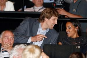 Am Dienstag haben sich Dirk Nowitzki und seine Frau den Film bei der Weltpremiere in Köln angeschaut (Bild: dpa)