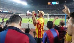 Ein Fan des FC Barcelona  im Stadion Camp Nou während des Liga-Spiels zwischen dem FC Barcelona und SD Eibar (Foto: dpa)