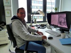 Andreas Goergemanns braucht bei seiner Arbeit sehr gute Augen. (Bild: dpa)