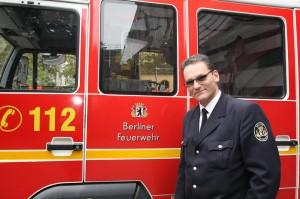 Bernd Bruckmoser arbeitet bei einer Feuerwehr in der Stadt Berlin. (Foto: dpa)