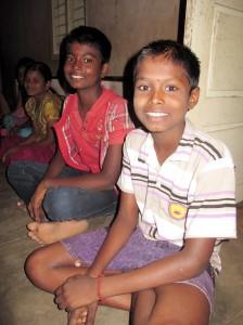 Kaliyamurthy macht beim Kinderrat mit und setzt sich hier für die Umwelt ein. (Foto: dpa)