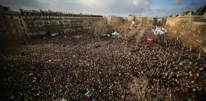 Hunderttausende Menschen waren gekommen, um gemeinsam um die Todesopfer eines Anschlags in Paris zu trauern. (Foto: dpa)