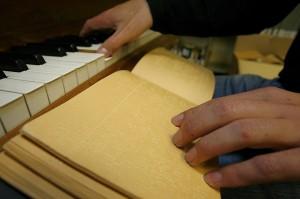 Louis Braille entwickelte auch eine Blindenschrift für Noten. (Foto: dpa)