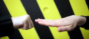 3. Wenn du am Anfang verlierst (hier mit Stein gegen Papier)... (Foto: Krasniqi)
