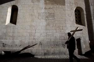 An Karfreitag erinnern viele Menschen an den Tod Jesu. (Foto: dpa)