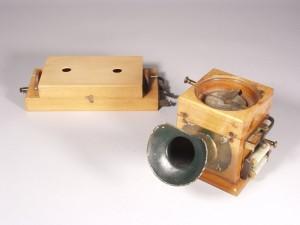 So sah ein erstes Modell des Erfinders Philipp Reis aus. (Foto: dpa)