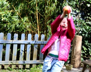 KINA - zu: Mit Schafsknochen oder Melonen - So spielt die Welt!