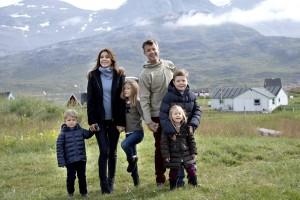 Prinz Frederik und seine Frau Mary mit den Kindern Isabella, Vincent und Josephine. (Foto: dpa)