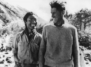 Als Erste oben: Der neuseeländische Bergsteiger Edmund Hillary (rechts) mit dem Sherpa Tensing Norgay (Foto: dpa)